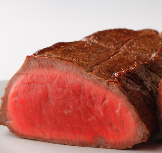 筋トレ野郎なら、たんぱく質が豊富な食材を。