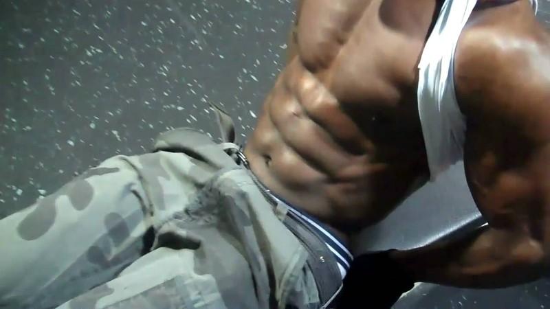 究極のSixpackをつくる、チャンピオンの腹筋トレーニング。