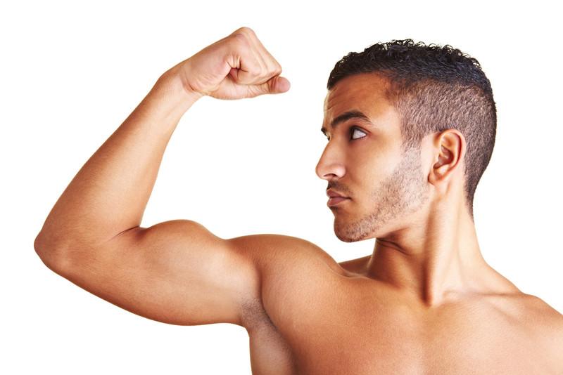器具がなくても大丈夫!二の腕を鍛える方法。